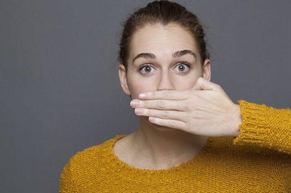 s-49067013_m-600x399 【口臭ケア】自宅でできる6つの方法!もう臭いとは言わせない!