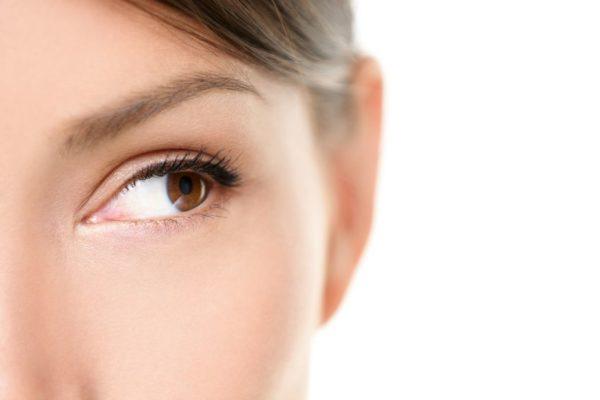 21144525_m-600x400 仕事中でも簡単にできる!目の疲れ・眼精疲労に効く6つの方法