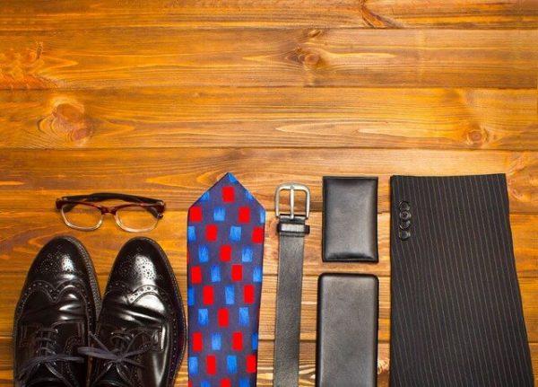 71890288_m-1-600x431 【メンズ】初心者でも簡単!スーツをおしゃれに着こなす6つのテク